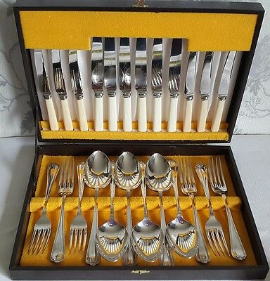 A Vintage Cased 24 Piece Silver Plated Cutlery Canteen