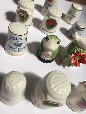 Lot Of 12 Thimbles - Souvenir, Collectibles - Frog, Bird, Etc