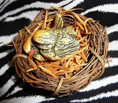 Lovely Vintage Enesco Nesting Baby Love Birds Figures In Browns- Approx= 1986!