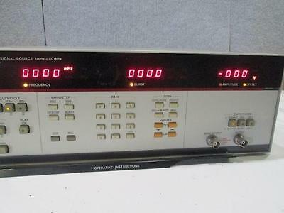 HP PROGRAMMABLE SIGNAL SOURCE 8165A   1MHz-50MHZ