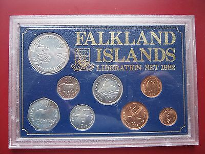 Falkland Islands 1982 set 1/2-50 Pence + Liberation Crown coin in plastic case 2
