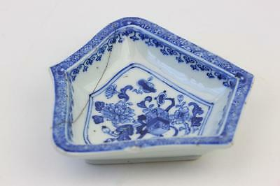 Antique Chinese Porcelain Blue & White Bowl / Dish With Flower Decoration A/f