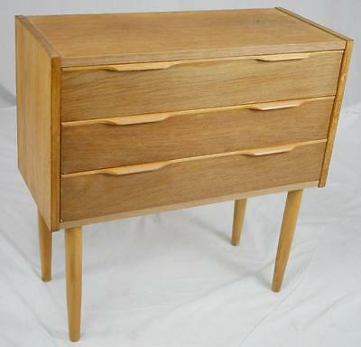 MODERN DANISH DESIGN - OAK CHEST OF DRAWERS - Wegner Era