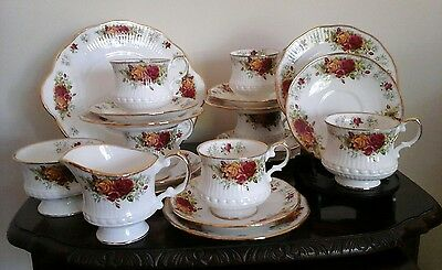 Vintage Queen's Tea Set Stratford Pattern Old Country Rose Style 21 Piece