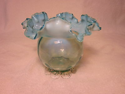 1890s NORTHWOOD RUFFLED RIBS OPALESCENT HAND-BLOWN GLASS FOOTED POSEY VASE