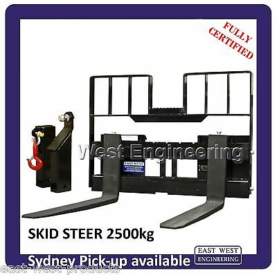 SKID STEER PALLET FORKS with LOADGUARD, LIFTING JIB & TOWING HITCH 2500kg QSS25E