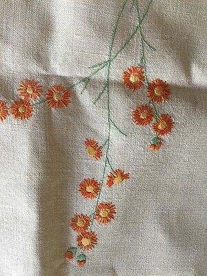 VINTAGE EMBROIDERED LINEN TABLE CLOTH Hand Embroidered Supper Cloth 87cmx87cm