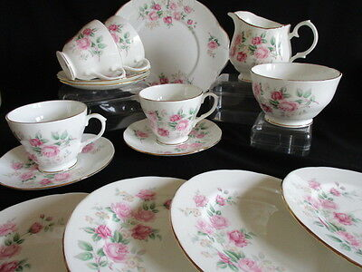 Vintage pretty Duchess china pink Roses Tea set 15 pieces in lovely condition