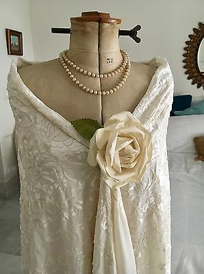 Lovely Vintage Ivory Silk Piano Shawl Hand Embroidered Exotic Flowers Flamenco !