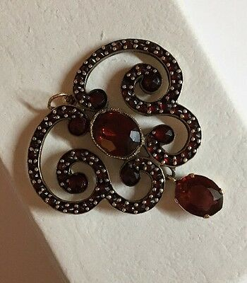 Victorian Yellow Gold Pretty Garnet Pendant For Necklace Ornate Detail