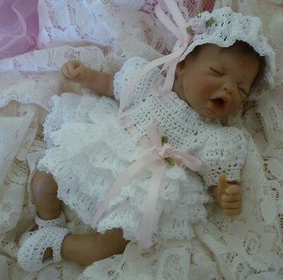"""Crochet Ruffle Baby Gown Dress Hat Mary-Jane Booties Diaper Cover Set 10"""" Doll"""