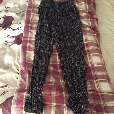 H&M Graphic joggers size Small Good Condition