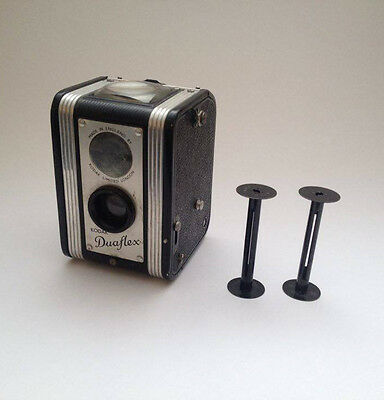 VINTAGE KODAK DUAFLEX, ORIGINAL UK MODEL w/ two 620 film spools !!