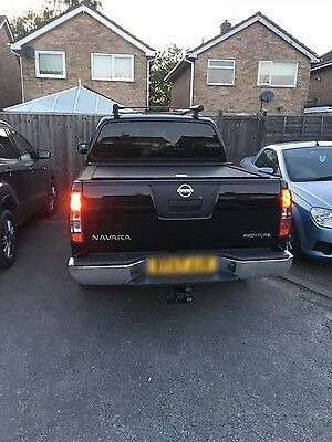 navara roll top