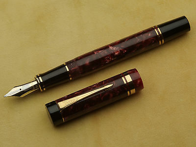 Parker Duofold Centennial Marbled Red Marble Fountain Pen M Nib In Mint Cond.