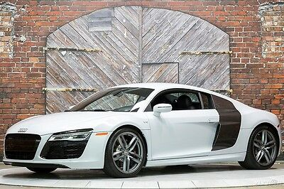 2014 Audi R8 5.2 V10 S-Tronic Dual Clutch Coupe Ibis White 14 525hp Carbon Fiber Sigma Interior Sideblades Black Leather 6k Miles