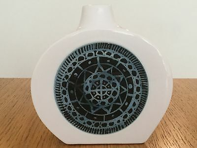 Stunning Delightful Piece Of Authentic Troika Newlyn White Flask. Immaculate!