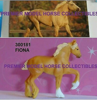 Breyer FIONA 2016 palomino HIGH STEPPING DRAFT Surprise Series 2 Mini Whinnie