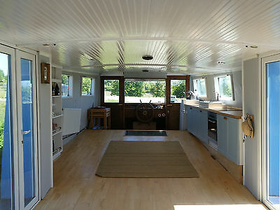 House Boat - Spacious and Unique