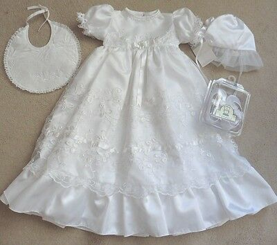 Absolutely Gorgeous `baby Girls Christening Dress, Bonnet, Bib & Shoes, Age 6/12
