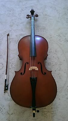 1/4 Cello  Primavera 90 with bow and bag. Used.