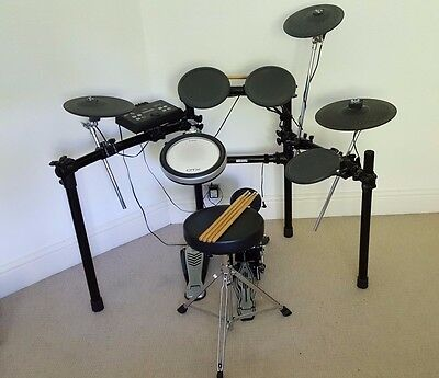 Yamaha dtx 500 electric drum kit excellent condition for Electric drum set yamaha