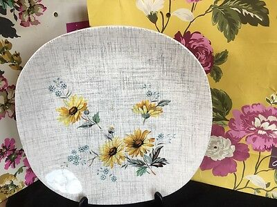 Vintage J & G MEAKIN ~*Summertime*~Yellow Daisy-LUNCH/ DESSERTPlate -1950s- RARE