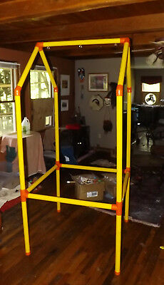 New, Out of the Box, Zero Max T3003 Parrot Perch Pet Bird Stand - Portable