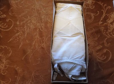 New in box 1 white Crown gossard 1742 open bottom girdle w/ 6 garters sz 33