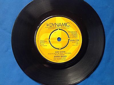 """7"""" 45Rpm Record Barry Biggs """"Side Show"""" And """"I'll Be Back"""" From 1976"""