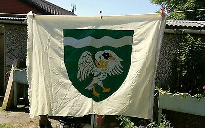Vintage panel stitched flag of BUCKINGHAMSHIRE ..swan and crown