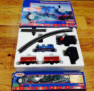 Hornby Thomas the tank engine oo gauge electric train set + Track Extension Oak