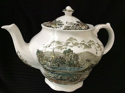 Teapot & Lid  Staffordshire Made In England HERITAGE BY Ridgway (Ridgways)