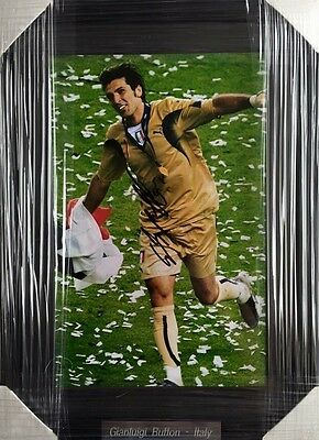 Gianluigi Buffon Personally Signed Photo In Frame, Italy, Juventus, Proof, 1