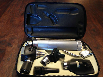 Welch Allyn 3.5V Otoscope & Ophthalmoscope Diagnostic Set Kit 11610 W Case