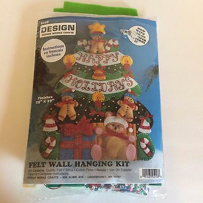 Design Works Crafts Felt Wall Hanging Kit Happy Holidays 5108  Embroidery