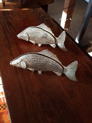 A Pair Of Vintage Silver Plated Carp/fish Napkin Or Letter Holders. Estate Items