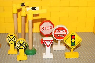 LEARNING CURVE- Thomas The Train  Signs lot