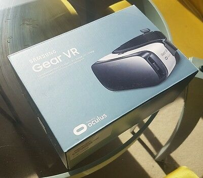 Brand New Samsung Gear VR Headset (compatible with Note 5 Galaxy S6 / S7)