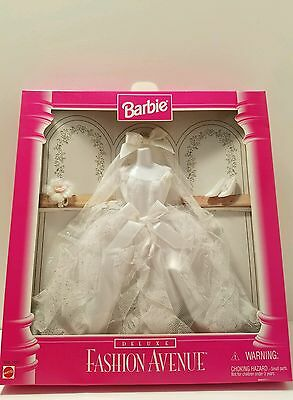 Barbie Fashion Avenue Deluxe Wedding Gown