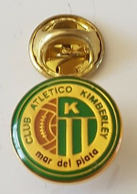 Football pin badge Club Atletico Kimberley (Argentina)