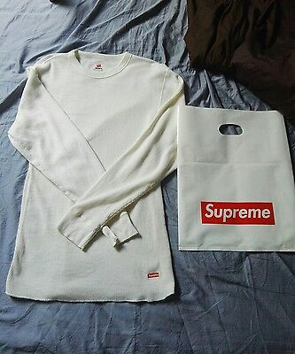 pull Supreme x Hanes taille L