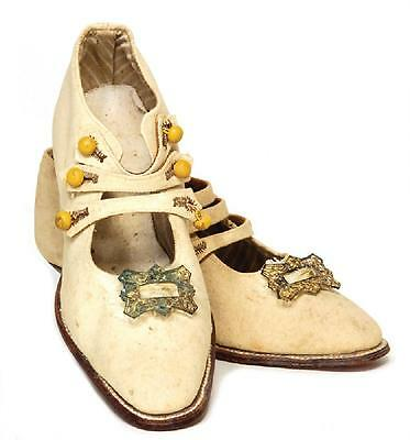 Beautiful Early 1900s Antique Childs/Children's Linen shoes