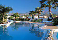 1 weeks holiday in Tenerife country club November 10 - 17 th 2 beds