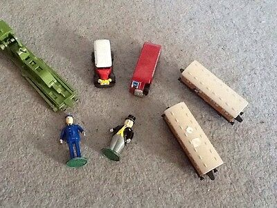 bundle of 1990s thomas the tank figures