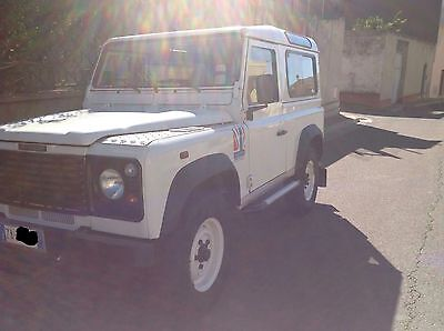 0004 Land Rover Defender 90 Defender 7 seats defender 90  2.5 td5 Diesel year 2004 two owners from new