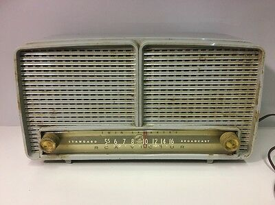 Vintage RCA Victor Model 8-X-8J Tube Radio Twin Speaker Phone Jack