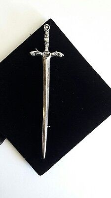 scottish silver kilt brooch