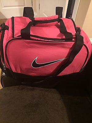 Pink NIKE  sports Hold-all  / Weekend Bag - Immaculate Condition