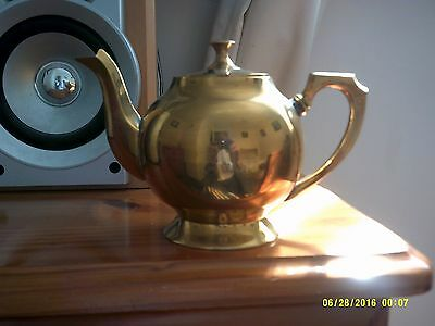 solid brass teapot with lid ornament in lovely condition